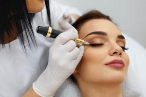 permanent makeup technique eyeliner
